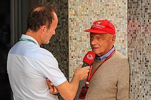 Niki Lauda tekrar uçak işine giriyor