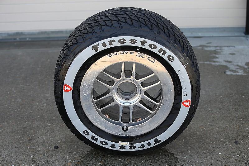 Фотофакт: в IndyCar показали нові дощові шини