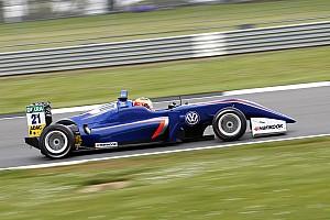 F3-Euro Noticias de última hora Carlin buscará reemplazo para Dennis después de la F3 en Pau