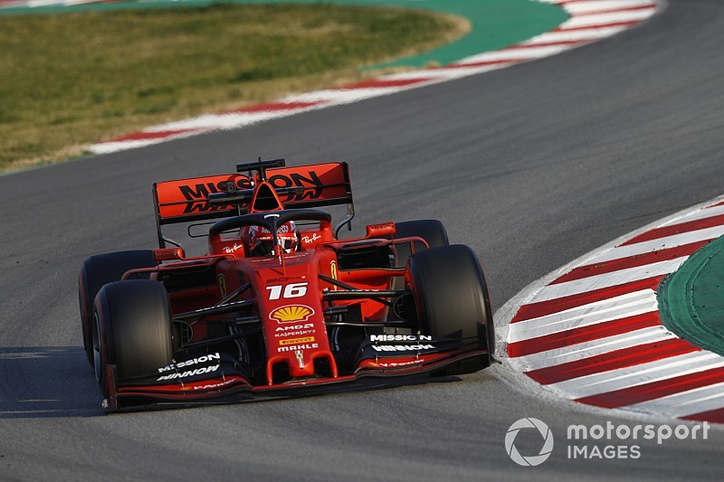 Ferrari devant Mercedes :