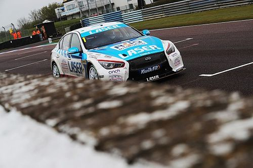 Thruxton BTCC: Sutton wins wild rain-affected Race 3