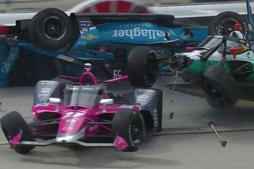 VÍDEO: Acidente na Indy tem carro capotando logo no início da corrida