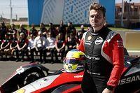 Пилот Формулы Е: Я помогаю молодежи, пока Хэмилтон жалуется