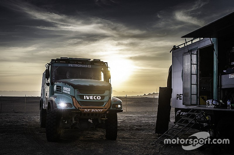 Team De Rooy Iveco: Вантажівка іноді «тонула» у піску