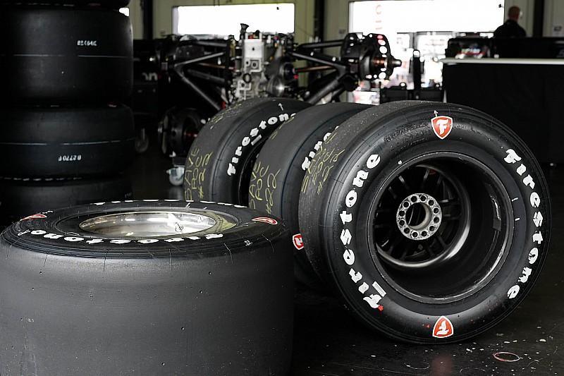Firestone оцінюють варіанти шин для коротких овалів на 2017 рік