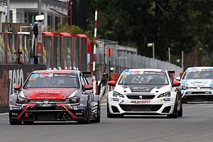 TCR Benelux Gara A Zolder festeggiano Detry e per la prima volta la Peugeot con Comte
