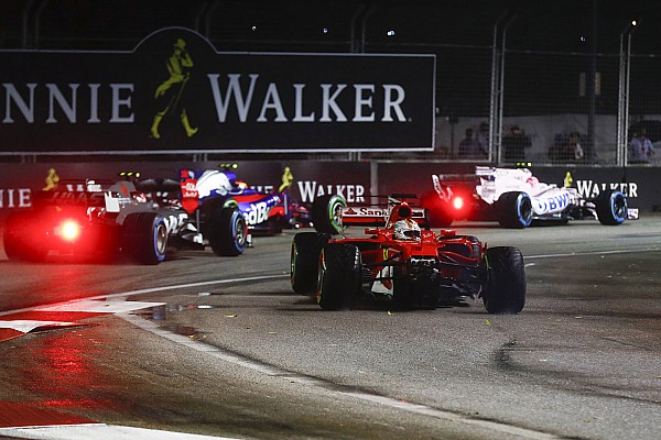 Mercedes niega que Vettel esté fuera de la lucha por el título