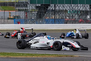 Formula Renault Gara Will Palmer e Robert Shwartzman si dividono le vittorie a Silverstone