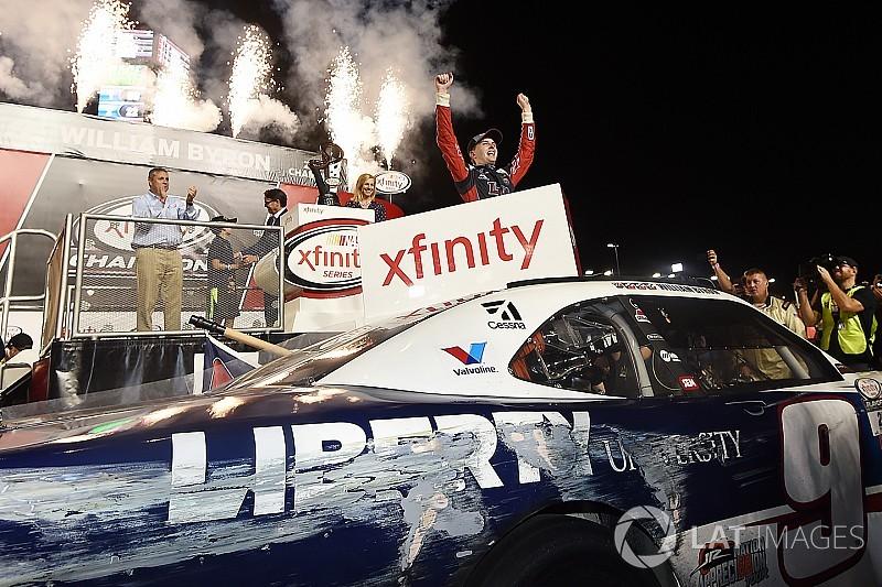 Custergana gana, pero Byron es el nuevo campeón de Xfinity