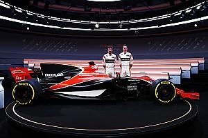 Браун став на захист нової лівреї McLaren