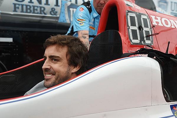 IndyCar GALERIA: Alonso tem primeiro contato com a Indy