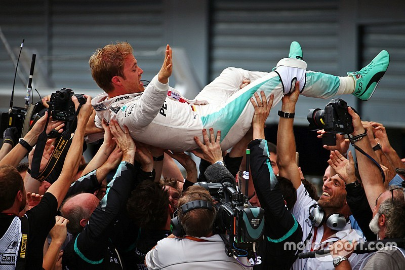 Rosberg boekt dominante zege in Italië, Verstappen zevende