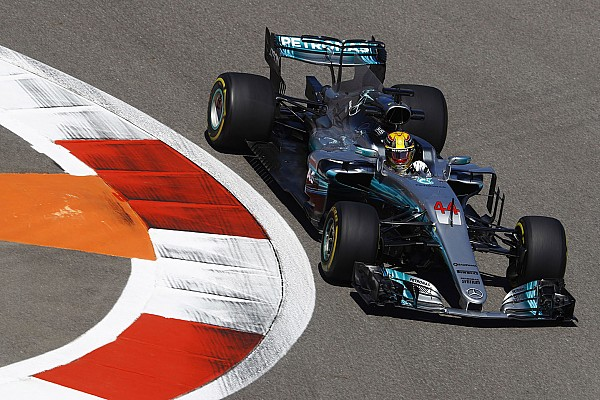 Formel 1 News Mercedes bei F1 in Sochi in Reihe 2: Hamilton erwartet