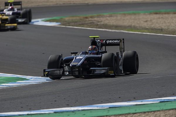 Artem Markelov se lleva la victoria en una carrera loca de F2 en Jerez