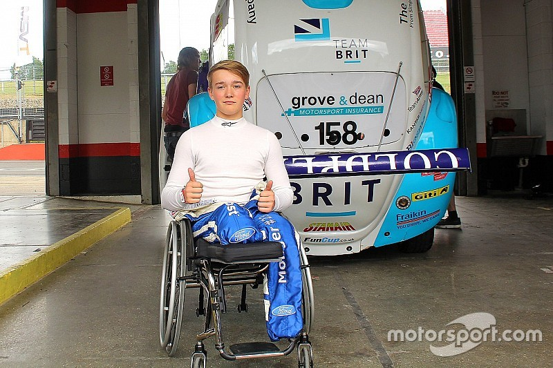Monger drives racing car for first time since crash