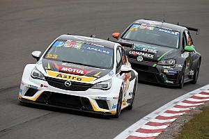 TCR Benelux Raceverslag TCR Benelux Zolder: Radermecker en Corthals winnen