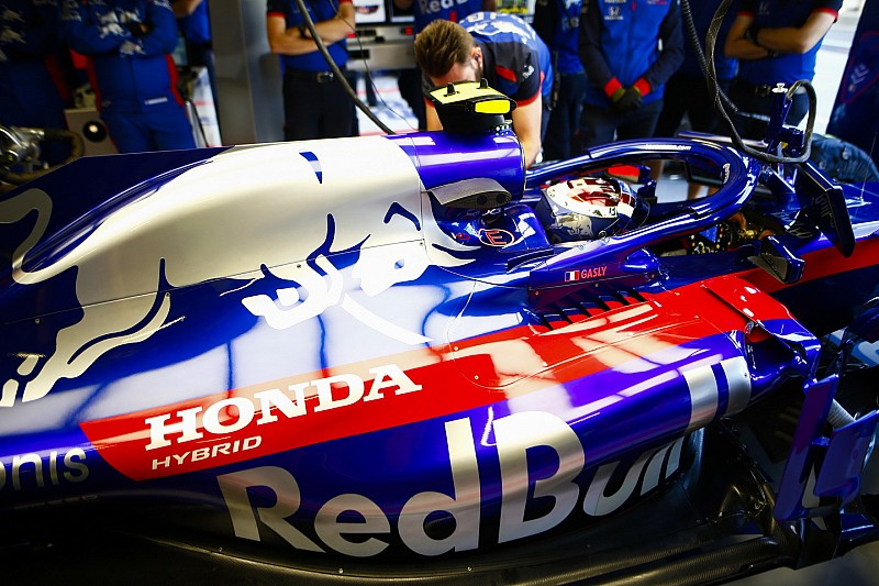 Red Bull дозволила Honda експериментувати з двигунами на Toro Rosso