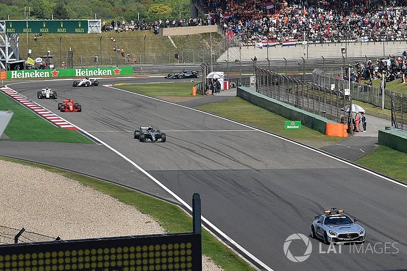 Mercedes jelaskan alasan Hamilton tidak ikuti perjudian duo Red Bull