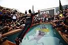 Óriási: Ricciardo érdekes medencés jelenete