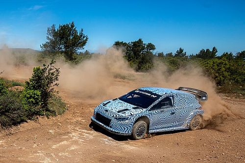 Hyundai Uji Mobil untuk WRC 2022