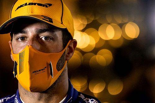 """F1: Ricciardo teve que """"engolir orgulho"""" para dar passagem a Norris em Ímola"""