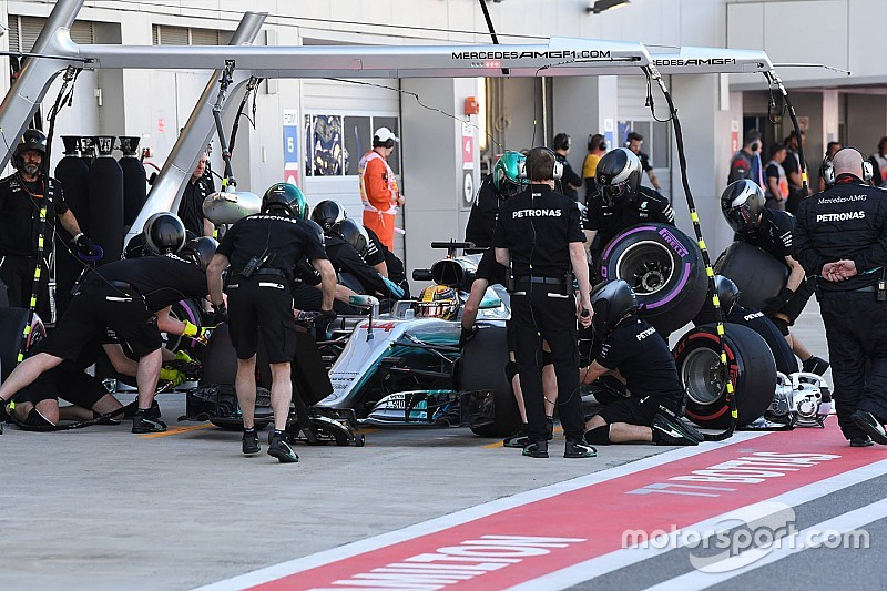 """Hamilton: """"No estamos escondiendo, Ferrari sí lo ha hecho en el pasado"""""""