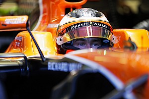 Resmi: Vandoorne 2018'de McLaren'da devam edecek