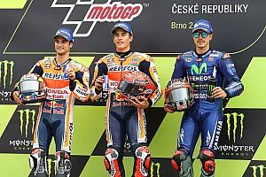 MotoGP Reporte de la carrera Márquez cambió antes y dominó en Brno