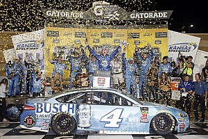 NASCAR Cup Race report Harvick snags victory from Truex in wild finish at Kansas