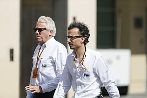 A Ferrari az FIA szakemberével