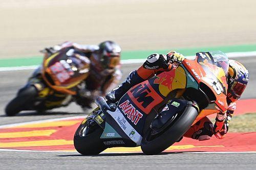 Fernández se impone a Gardner para vencer en Moto2