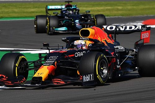 """Hamilton : Red Bull a encore une """"légère avance"""" sur Mercedes"""