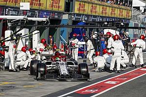 Для Джовінацці Гран Прі Австралії закінчився на першому колі