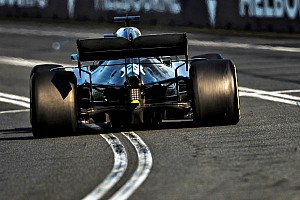 В Mercedes озвучили собственную версию поломки днища у Хэмилтона