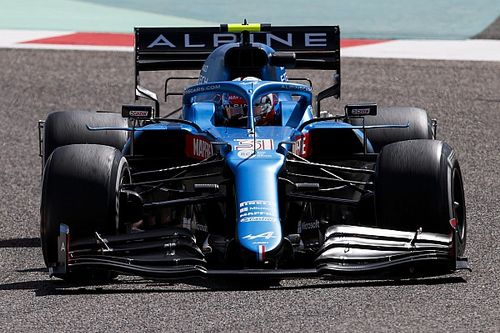 "Alpine explains bulky airbox after ""body shaming"""