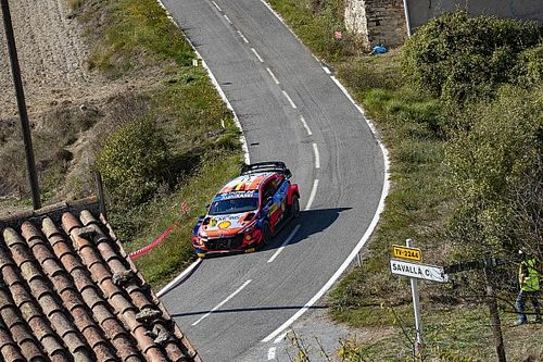 Spain WRC: Neuville takes dominant win, Evans keeps title hopes alive