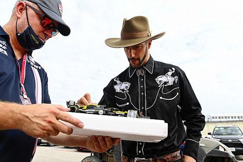 Ricciardo reveals Dale Earnhardt Sr tribute helmet for US GP weekend