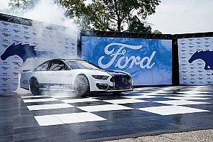 Erster Streckentest für Mustang mit Logano in Charlotte
