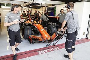 Mindenki kihúzza magát, ha Alonso belép a McLaren garázsába