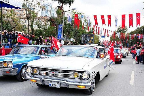 İKOD'dan Cumhuriyetin 94. yılına özel konvoy
