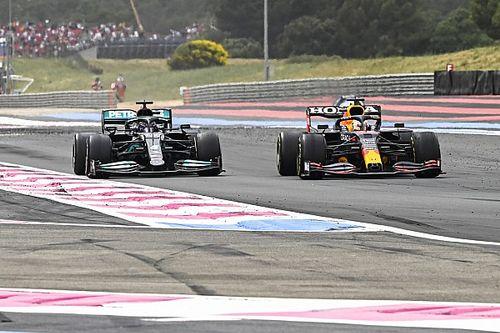 Brundle sem ért egyet azzal, hogy Hamilton túl puhány lett volna
