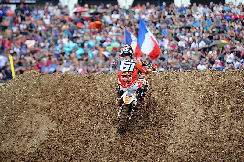 Jorge Prado vince anche in Francia e riapre il Mondiale MX2