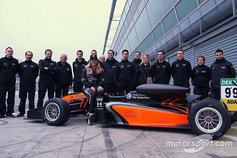 Floersch hits track for first time since Macau GP crash