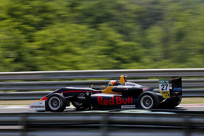 Ticktum y Ahmed, pole para las carreras del domingo en Hungría