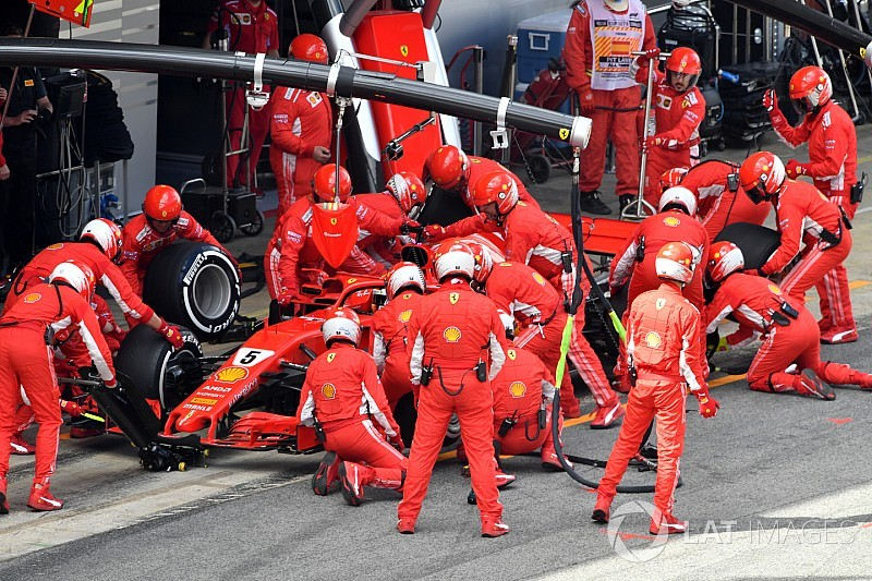 """Wolff """"fully understands"""" Vettel pitstop decision"""