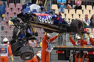 Heftiger Crash von Hartley: Toro Rosso bricht danach auseinander