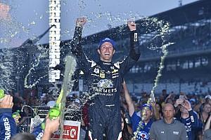 NASCAR Cup Comentario Pese a un futuro incierto, Kahne triunfó en Indianápolis