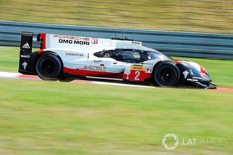 Bernhard lleva a Porsche a la primera posición en Nurburgring