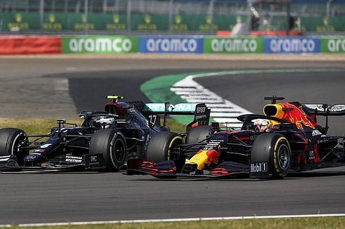 "Mercedes ""sleeping"" when Verstappen got ahead - Bottas"