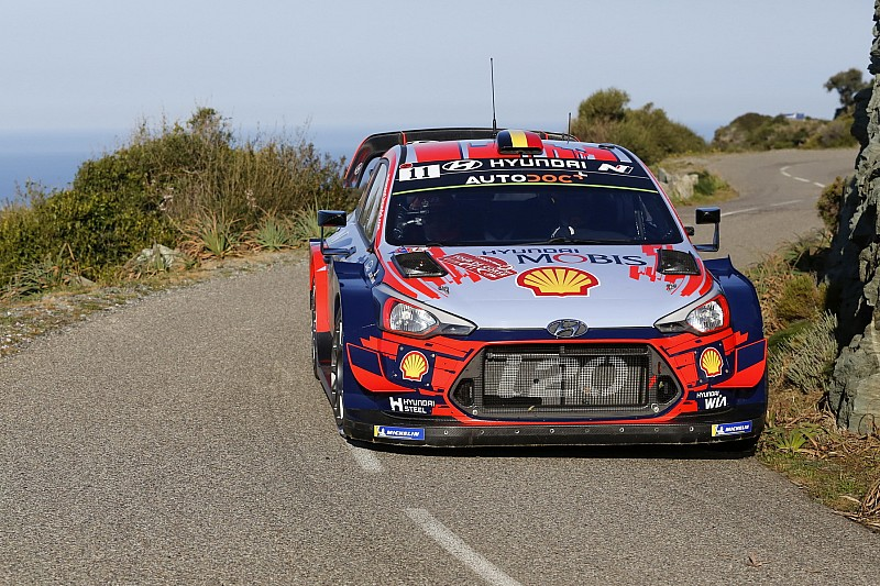 Corsica WRC: Neuville snatches lead after Tanak puncture